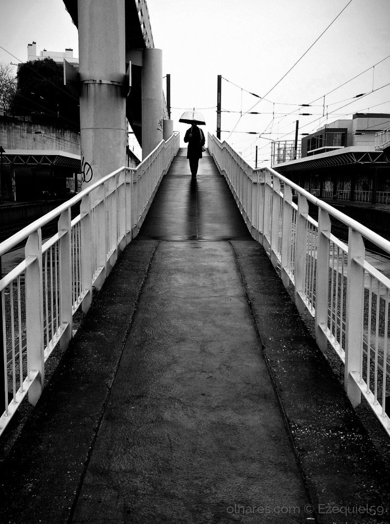Paisagem Urbana/Da chuva (Ler descrição)