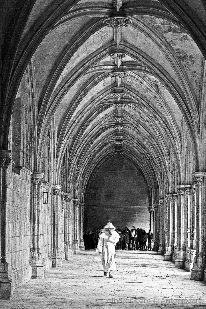 História/Um Monge no Mosteiro da Batalha.