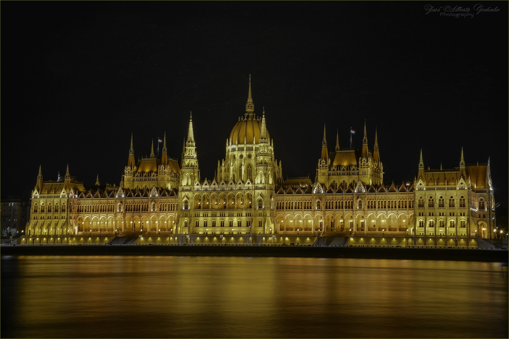 Gentes e Locais/Parlamento Húngaro - Budapeste
