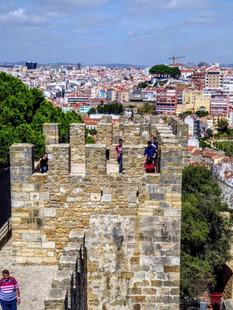 História/Na defesa do castelo...