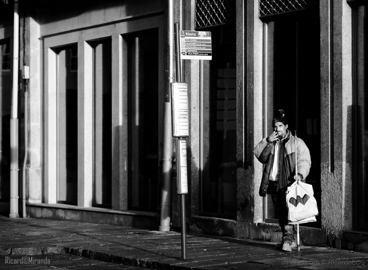 Gentes e Locais/Waiting...