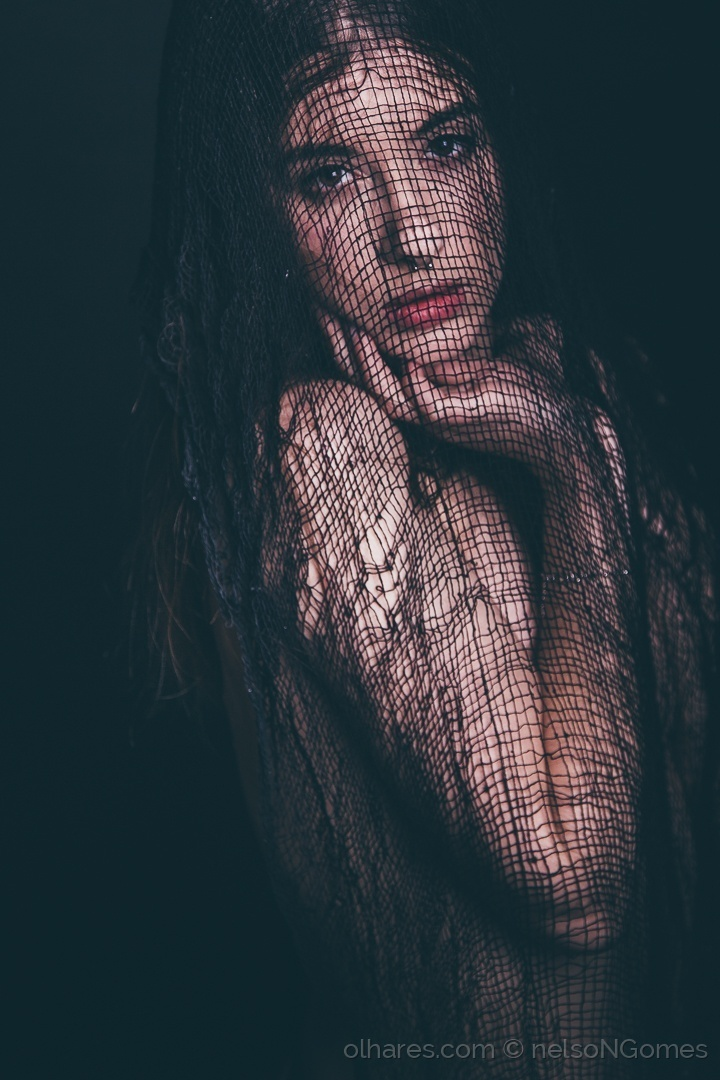 Retratos/black fabric
