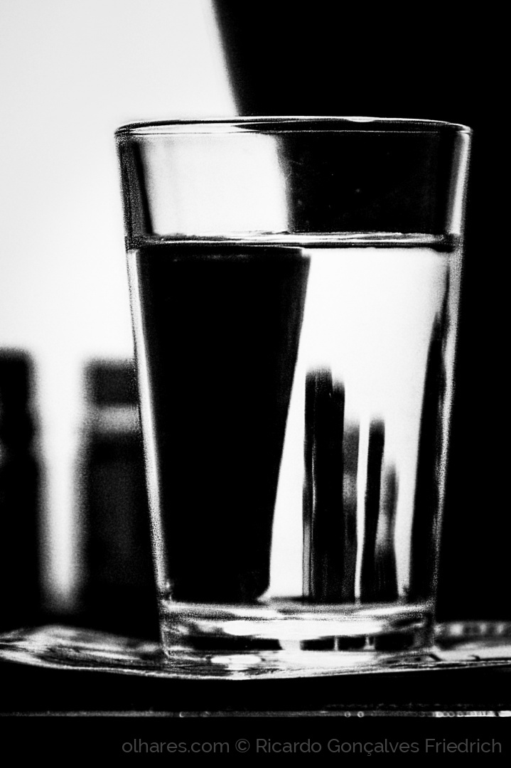 Abstrato/Prisma Monochrome