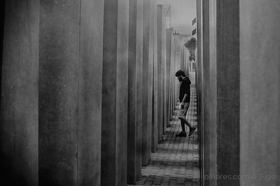 Gentes e Locais/Corredores e labirintos