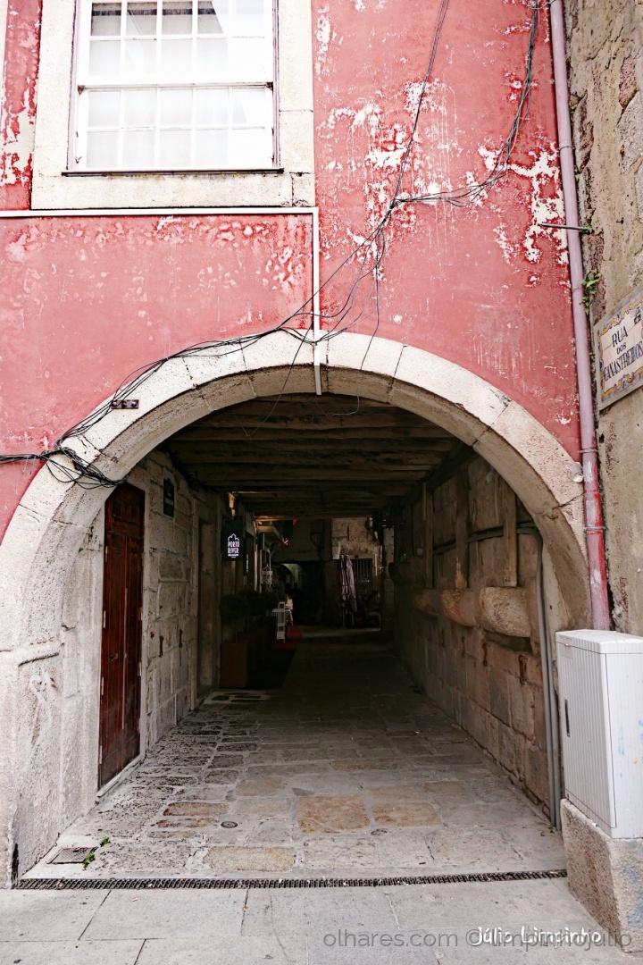 Gentes e Locais/Há charme ao fundo do túnel...