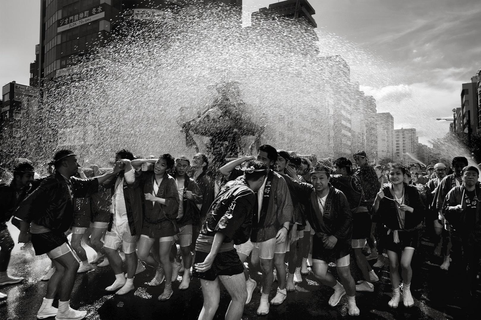 Fotojornalismo/Festa da água em Tóquio