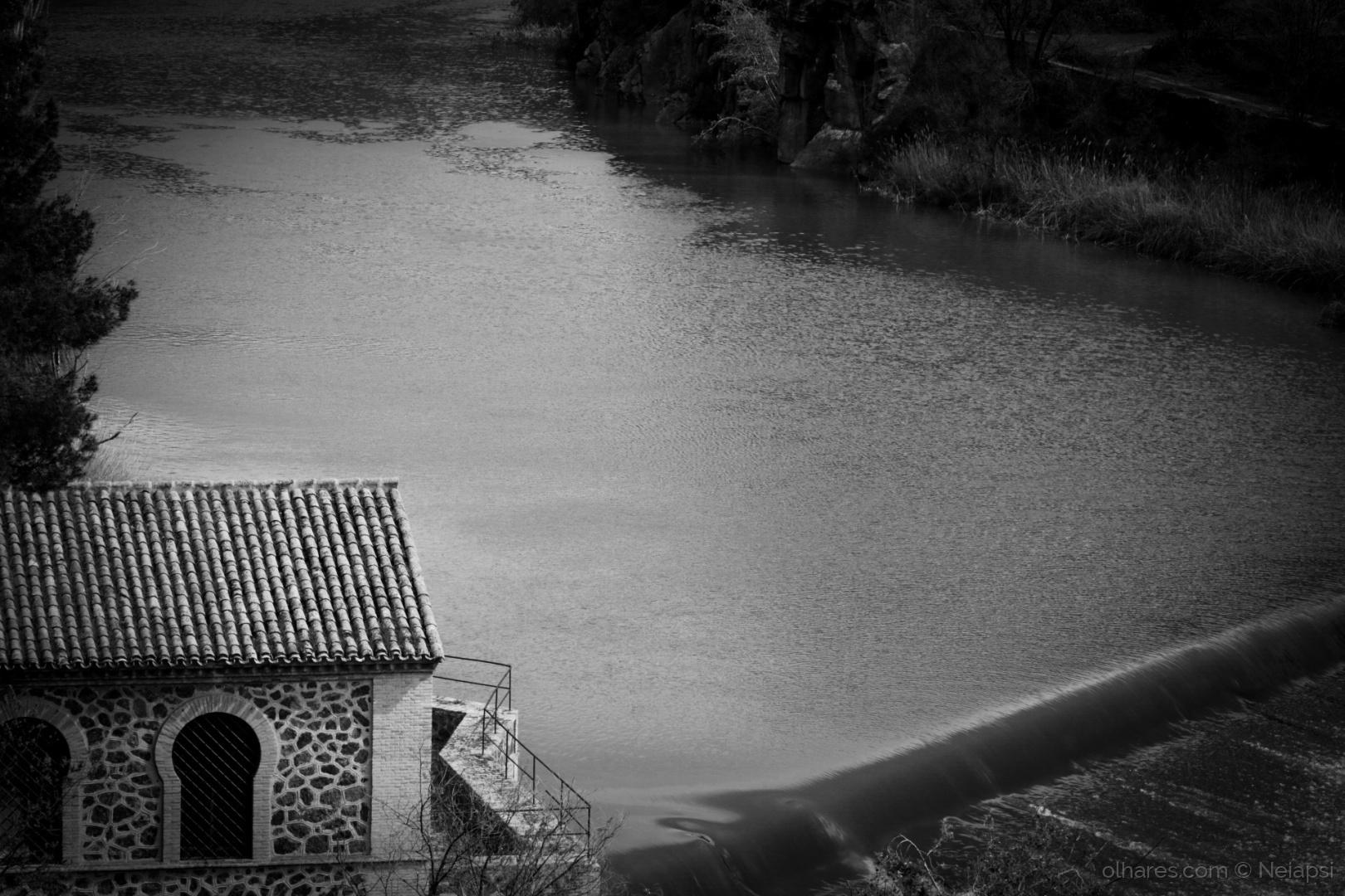 Paisagem Natural/Uma casinha e um Rio!