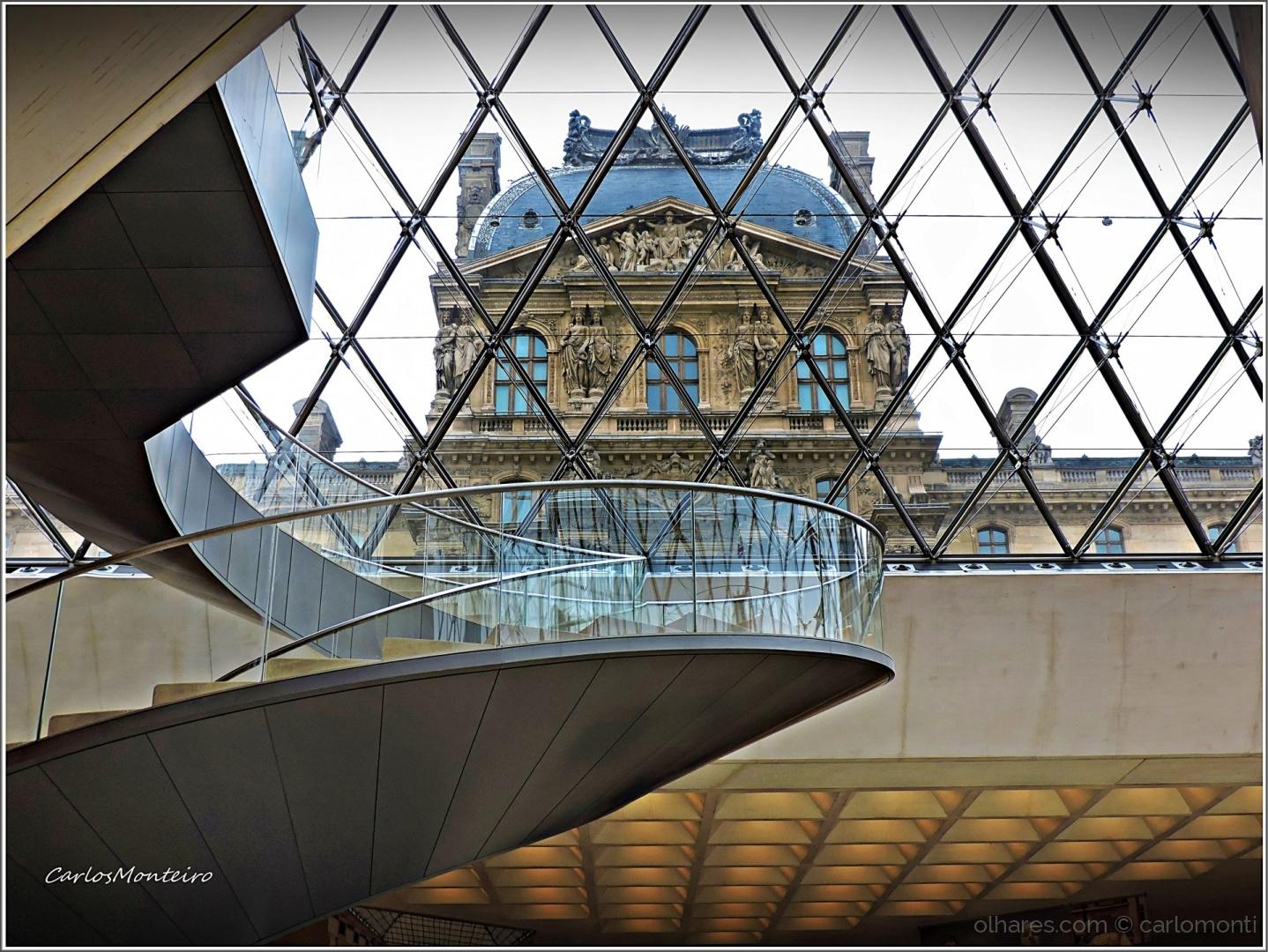 História/Museu do Louvre, Simbiose da Antiga e Nova Arquite
