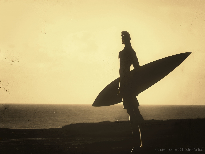 Gentes e Locais/The Surfer I