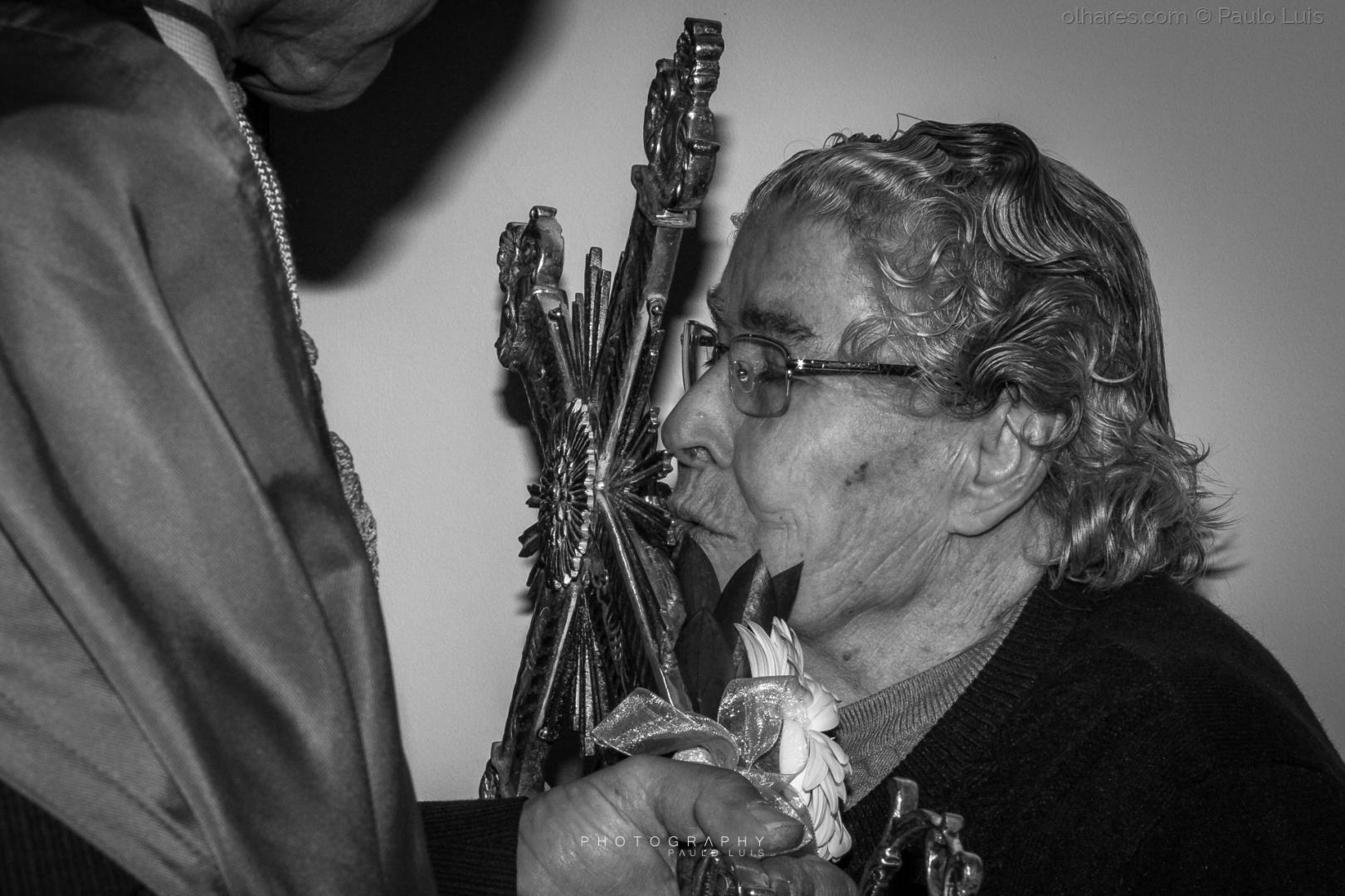 Gentes e Locais/Um beijo de Fé