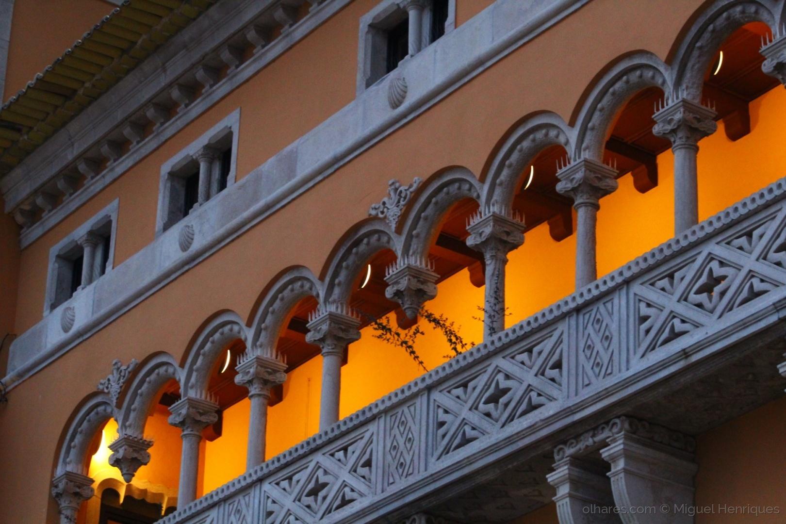 Arquitetura/o sol não se põe no mar... mas na varanda....