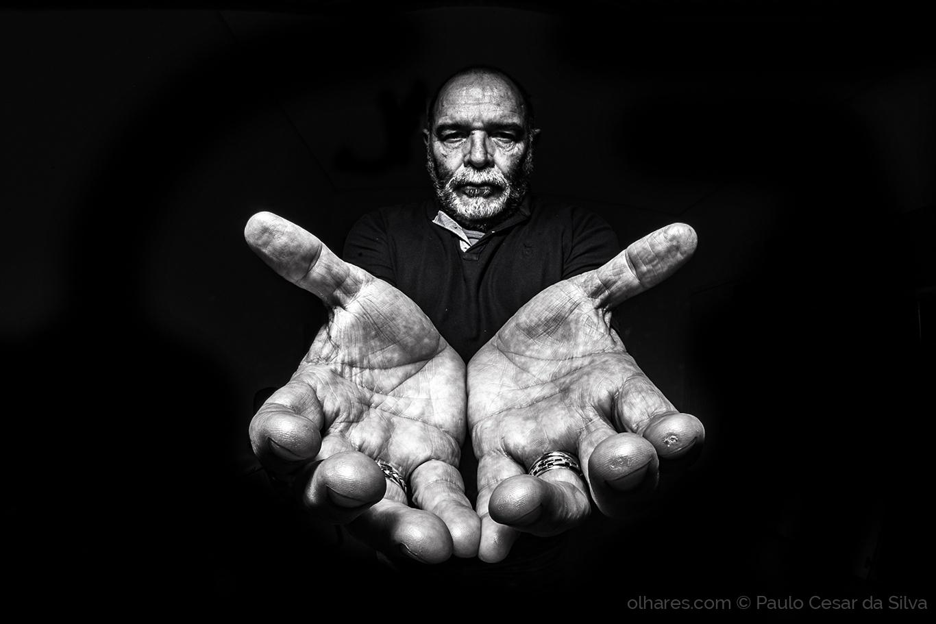 Retratos/...em mãos II