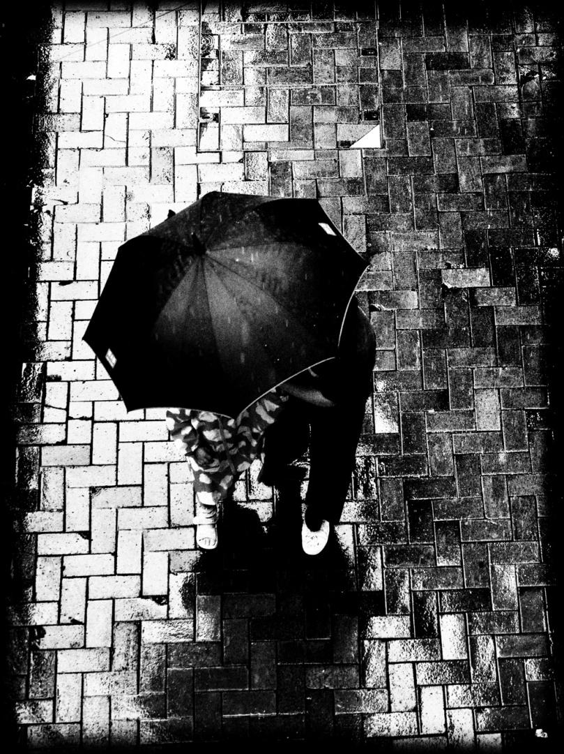 Gentes e Locais/Um guarda-chuva para dois