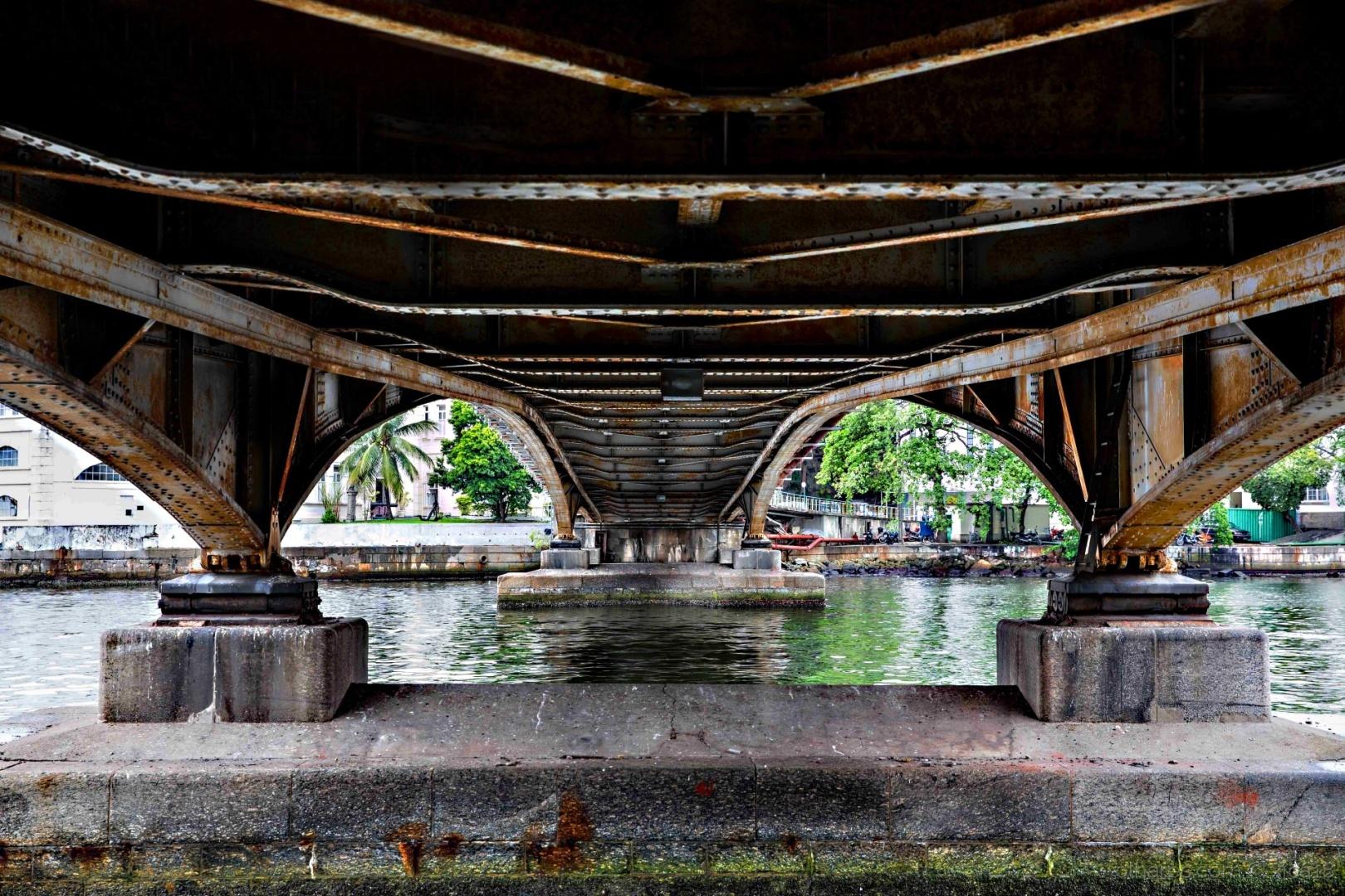 Paisagem Urbana/Ponte vista por baixo