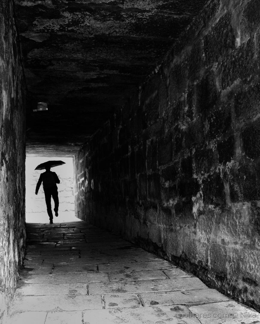 Fotojornalismo/dancing in the rain