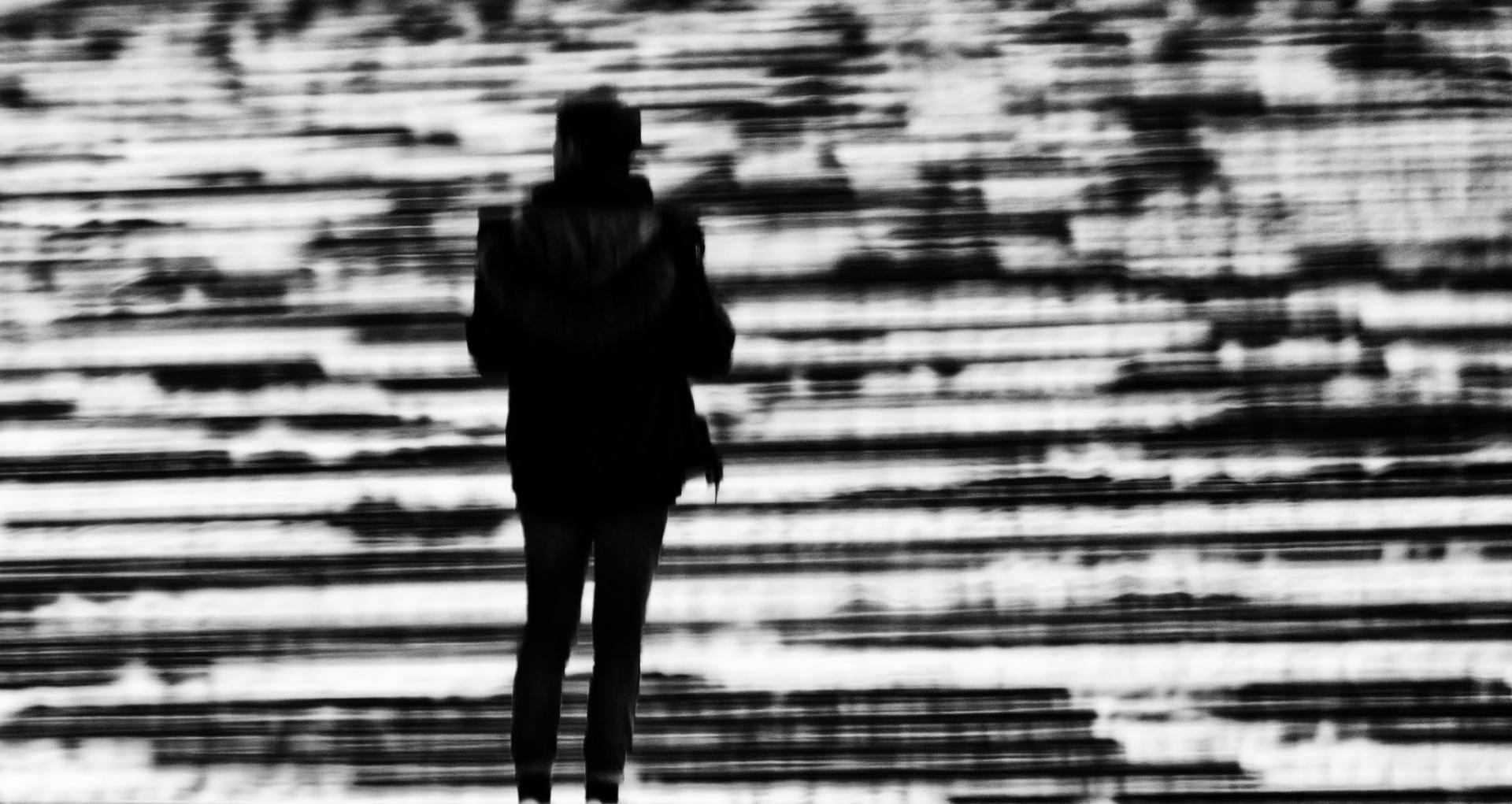 Abstrato/O tempo passa mas você fica na minha memória