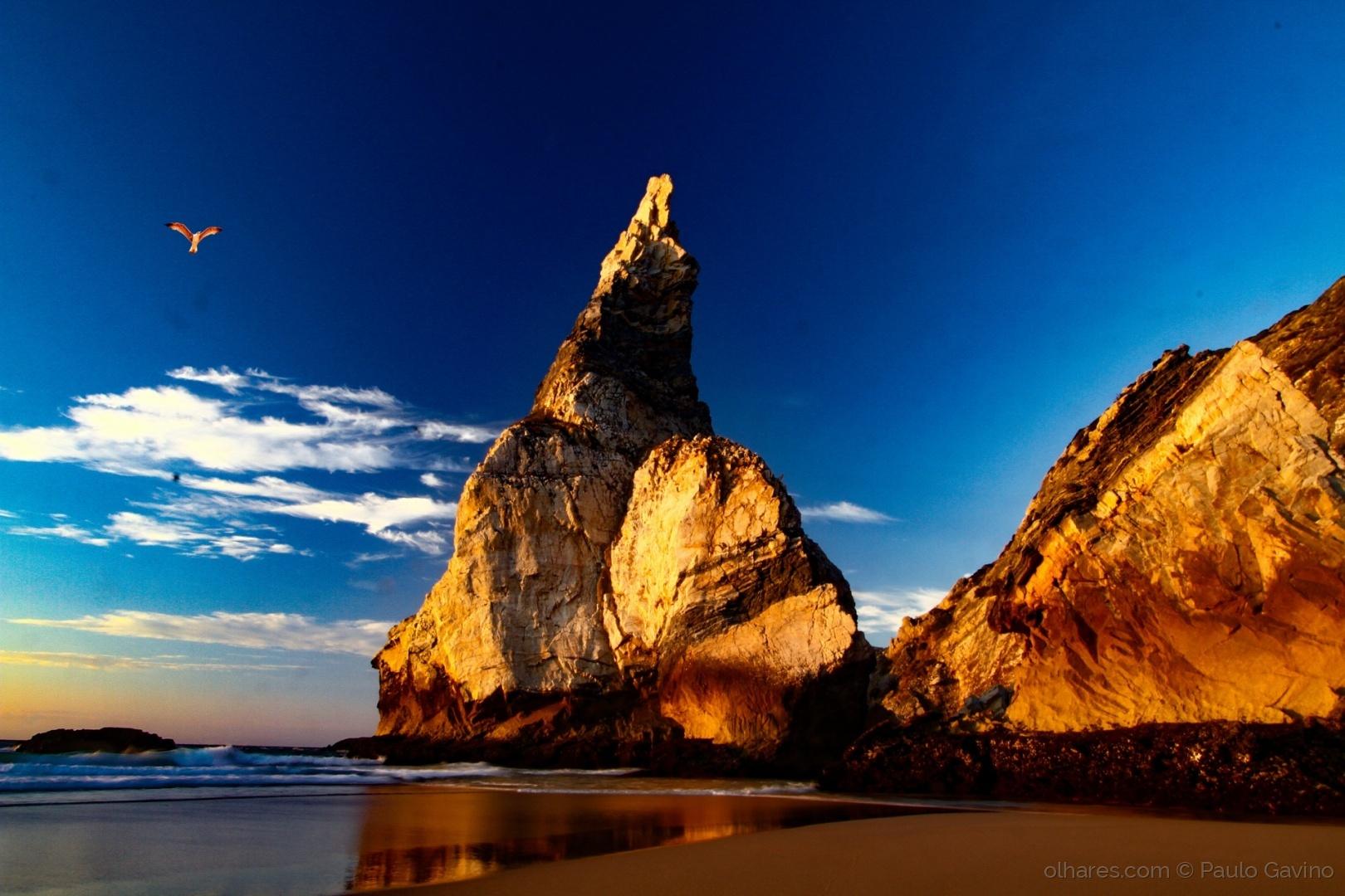 Paisagem Natural/(praias) VOANDO SOBRE AGULHA
