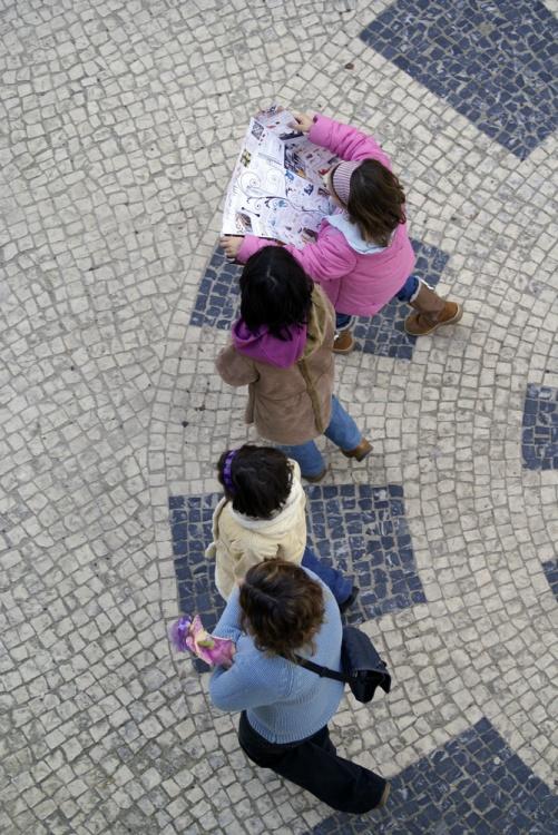 Gentes e Locais/Quatro em semi-círculo