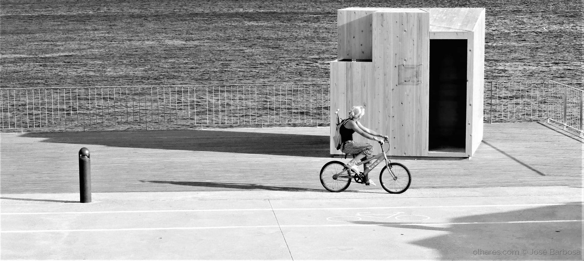 Desporto e Ação/Riding ALONE .