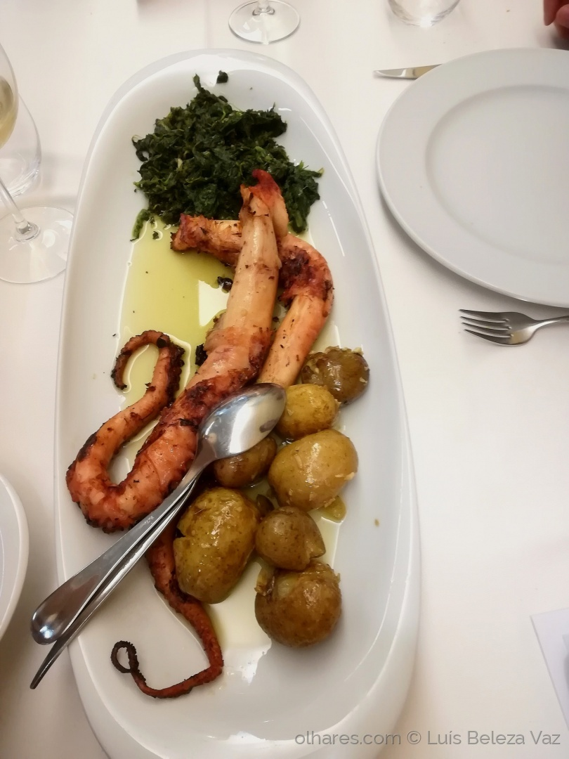 Gastronomia/ Polvo à Lagareiro