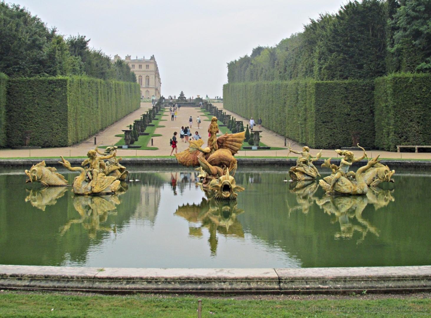 Paisagem Urbana/No Jardim do Palácio de Versailles em dia de chuva