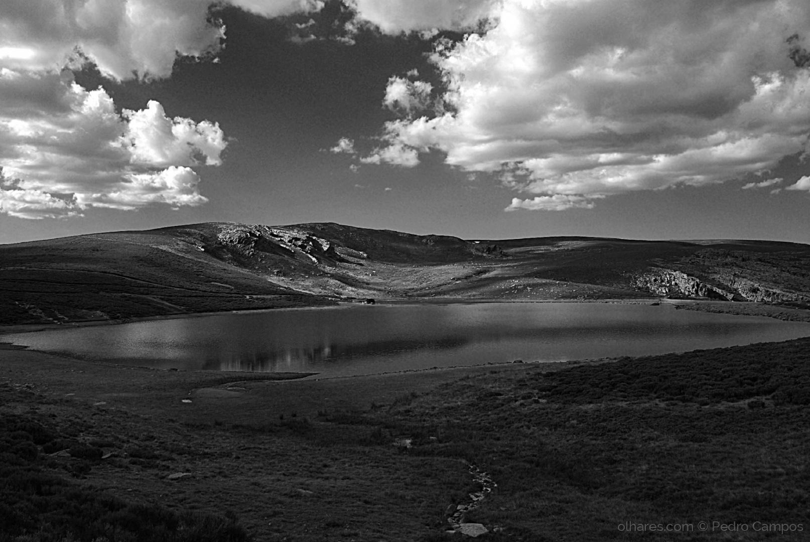 Paisagem Natural/O lago na montanha