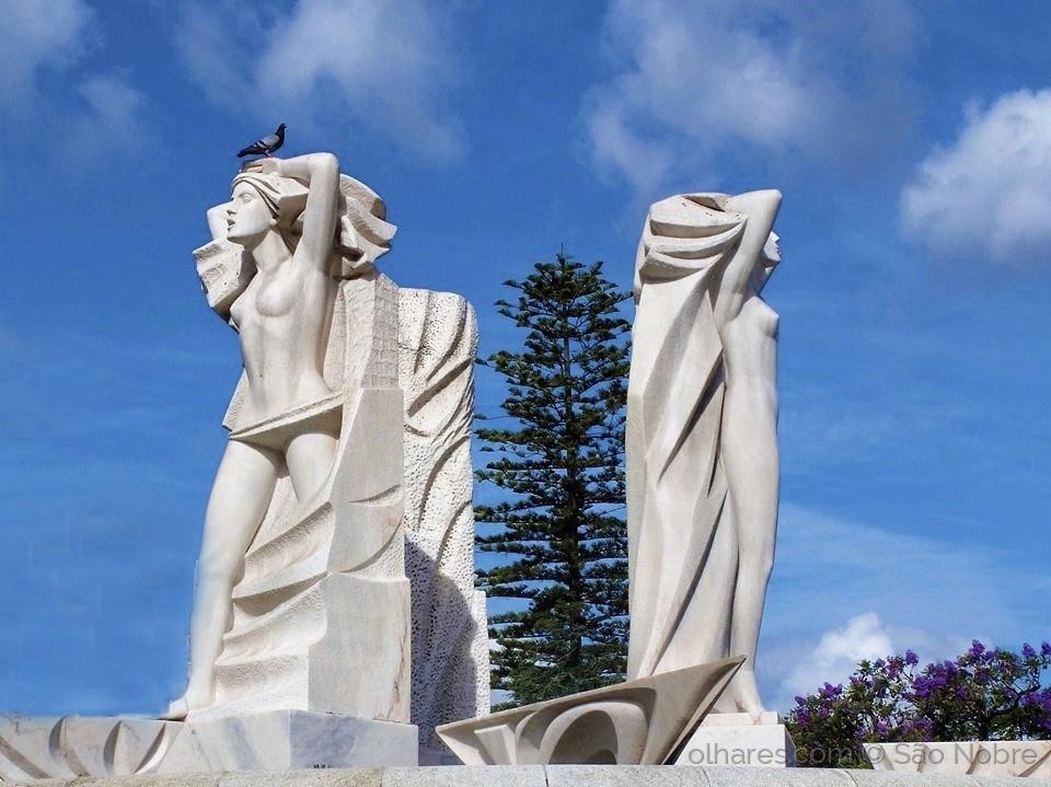 Arquitetura/Estátuas da Fonte das Ninfas