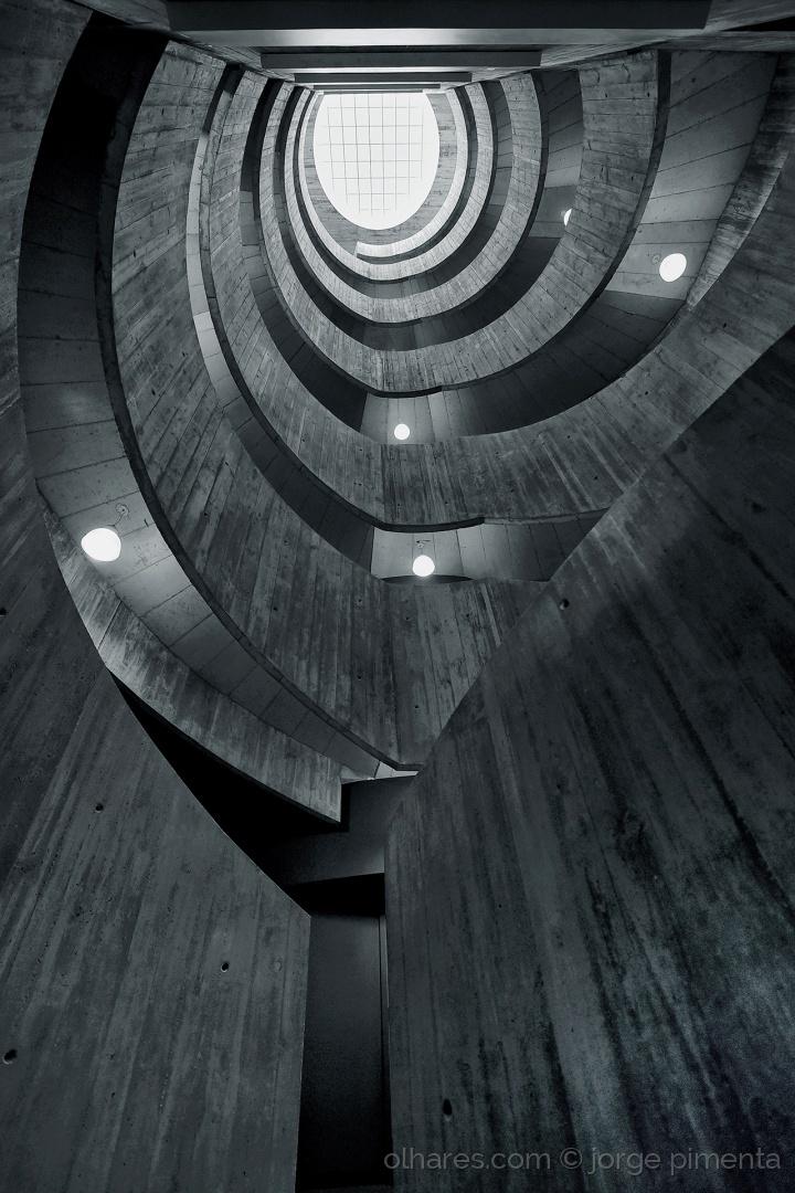 Arquitetura/A impressão das sombras (texto rep.)