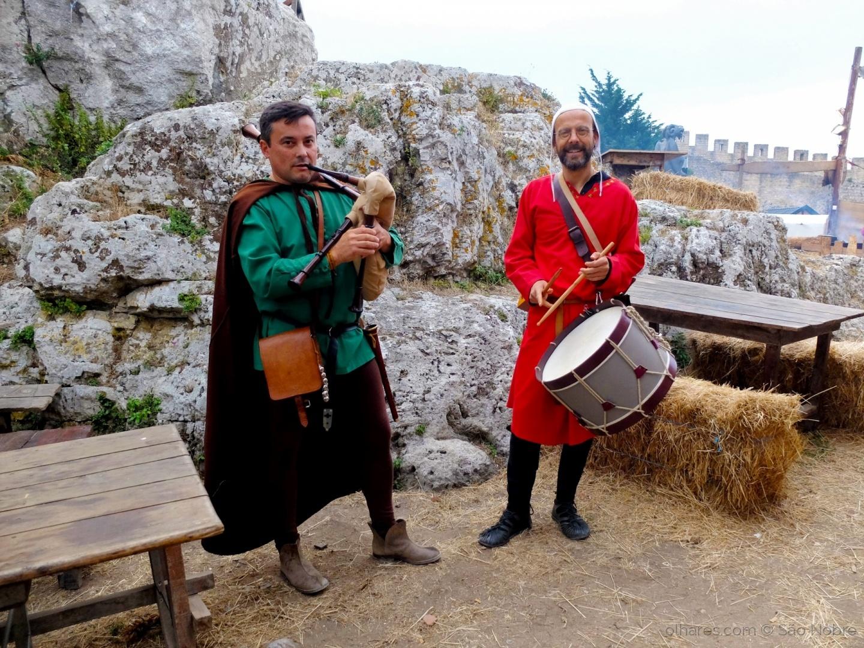 Gentes e Locais/Músicos Medievais