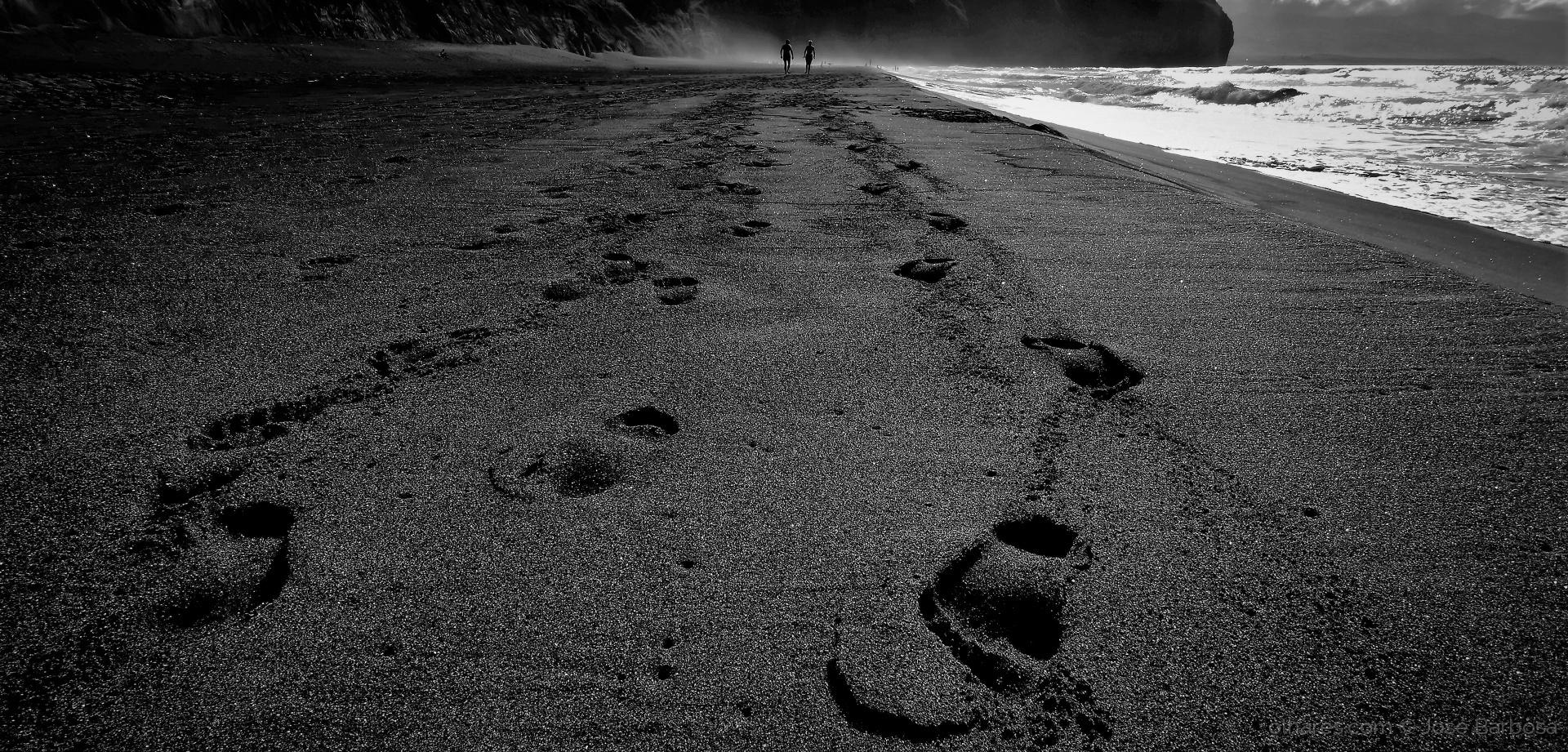 Gentes e Locais/Deus e Homem no longo caminho para a eternidade.