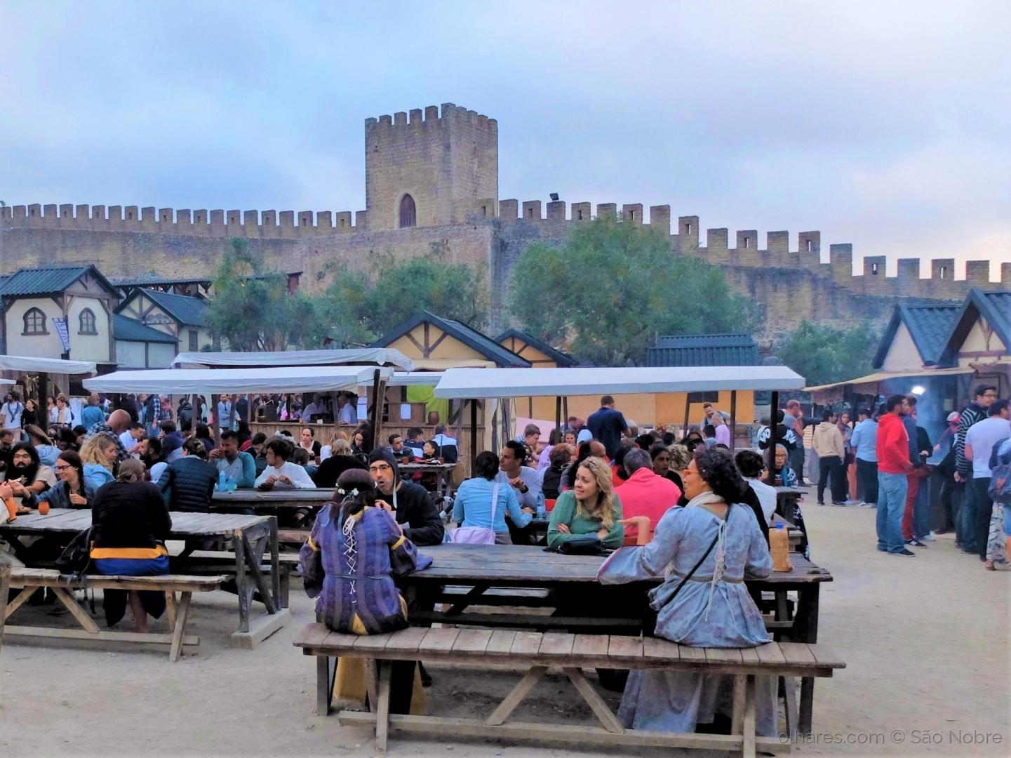 História/As Tasquinhas no Mercado  Medieval de Óbidos