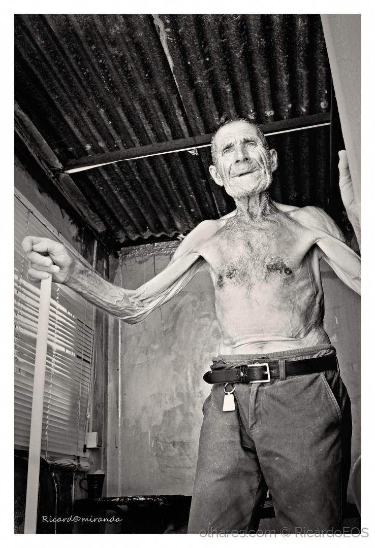 Gentes e Locais/O velho e aposentado pescador...