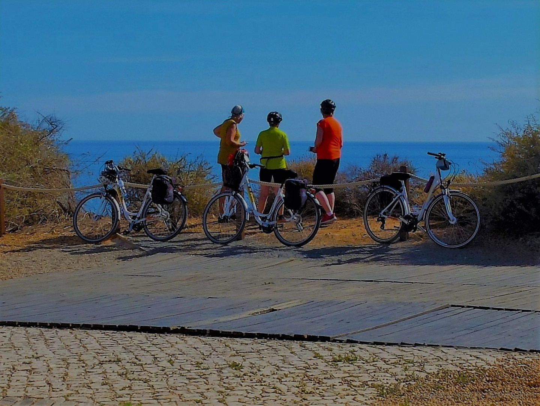 Outros/Turistas de Bicicleta.