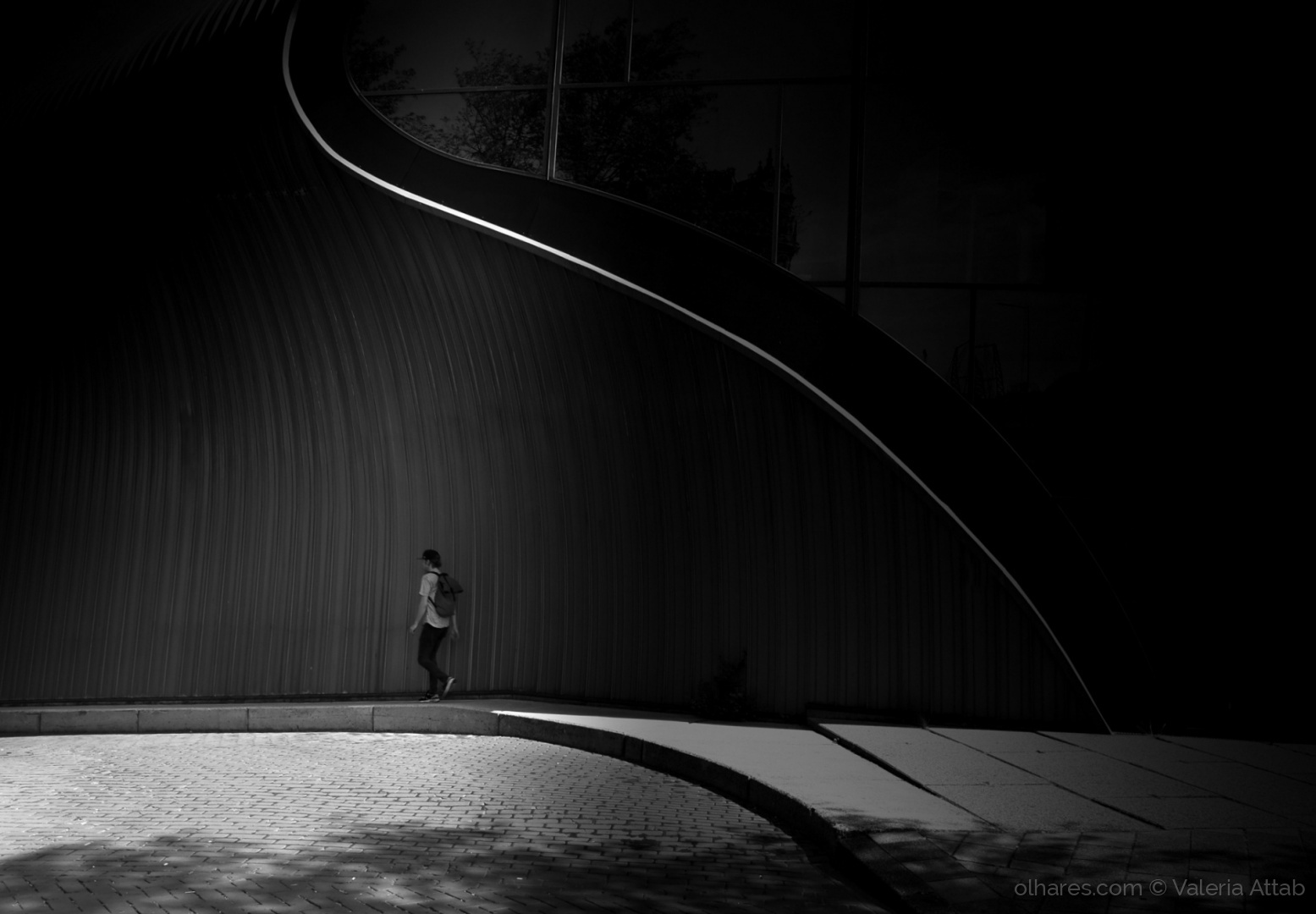 Gentes e Locais/Entre curvas e sombras...