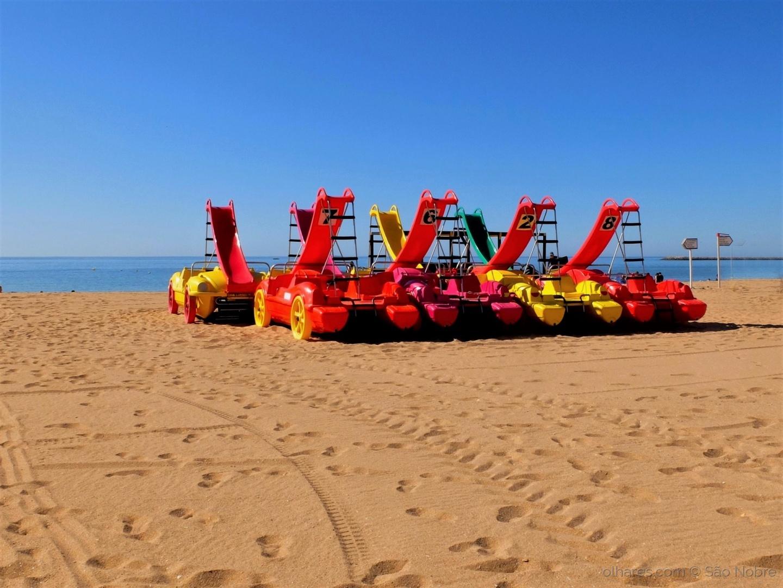 Outros/Gaivotas ( Barcos )  na Praia