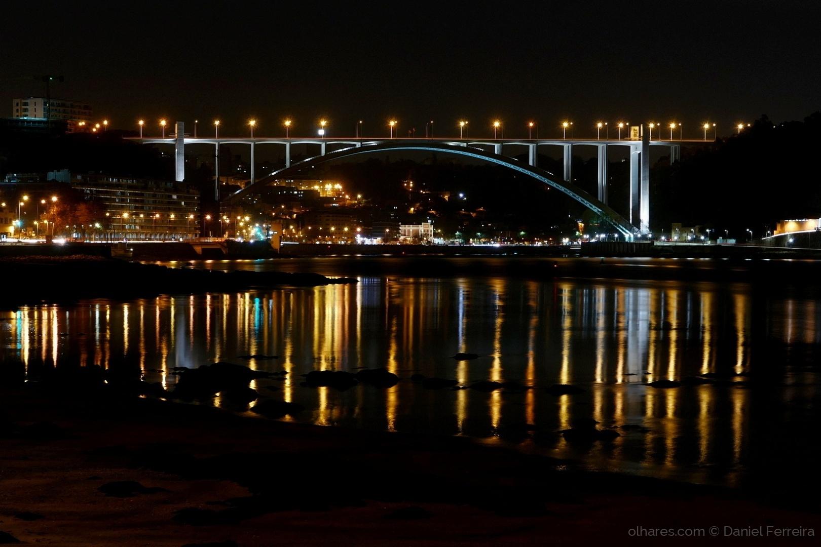 Gentes e Locais/O Porto á noite