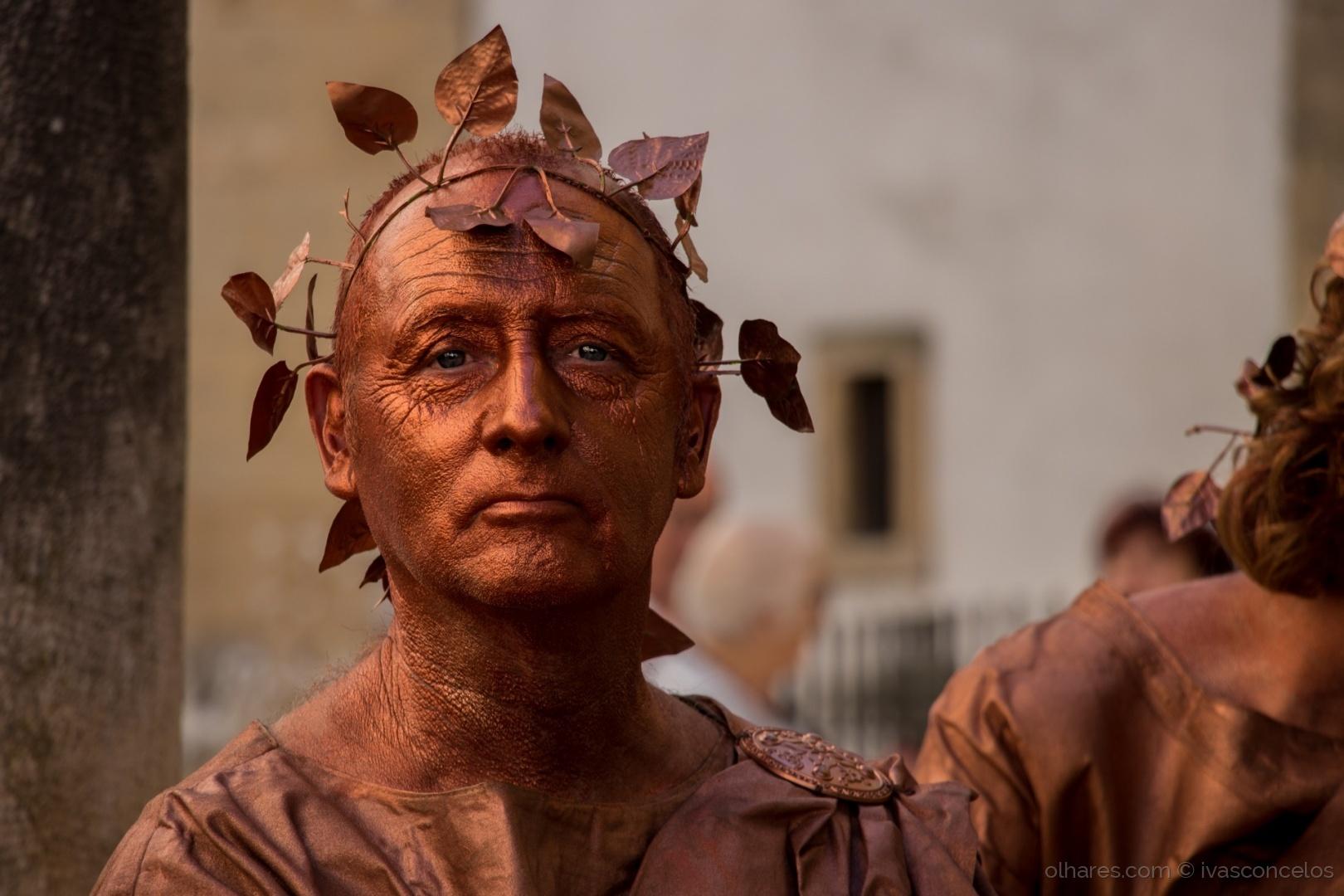 Abstrato/Doug: A Estátua Romana
