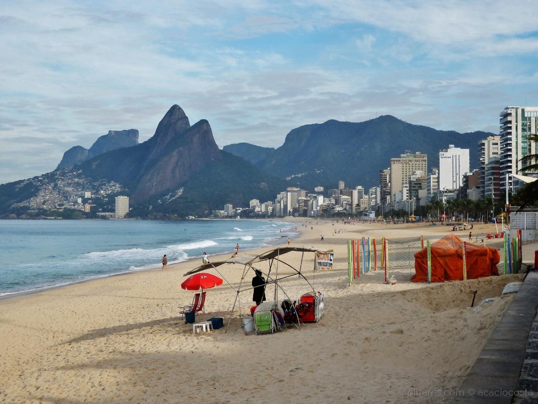 Paisagem Natural/Postal do Rio - os dois irmãos!