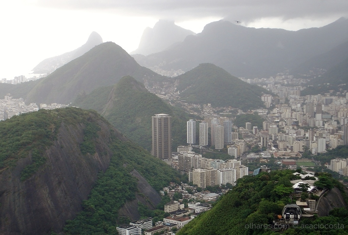 Paisagem Urbana/Voando sobre o Rio