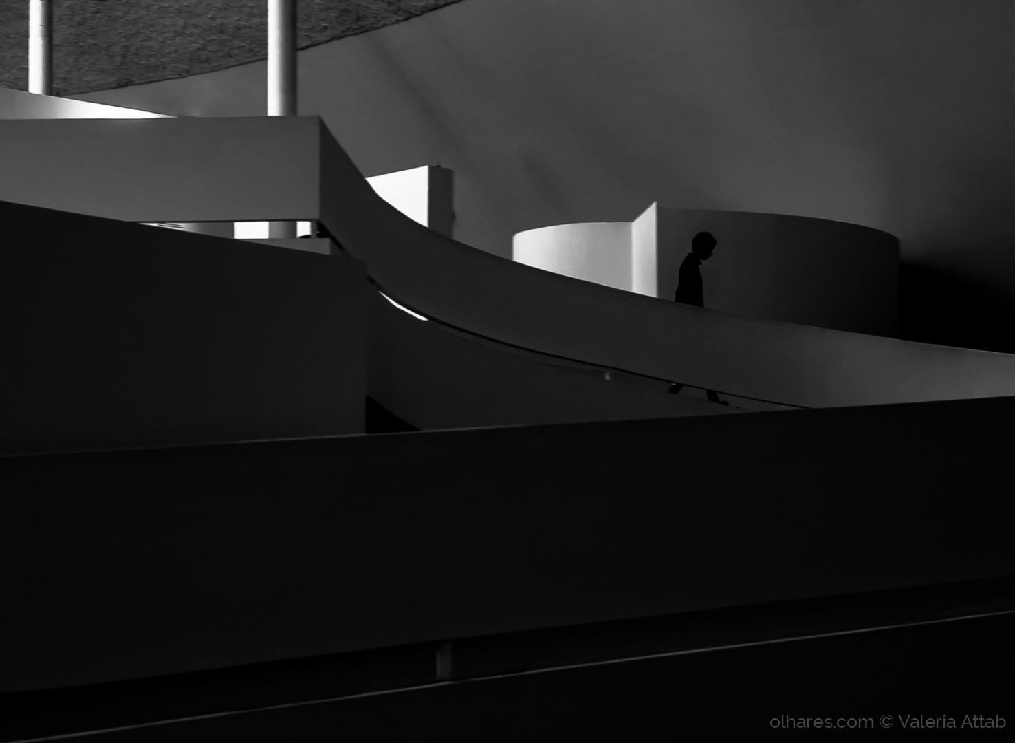 Arquitetura/caminho de sombra e luz...