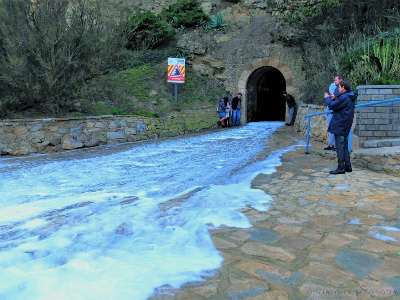 Paisagem Urbana/Quando o Mar Galgou o Túnel