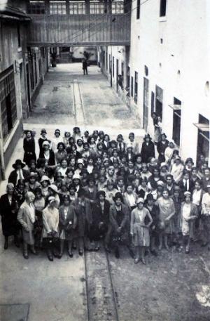 /fabrica de fosforos em portugal 1929