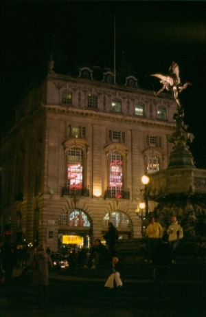 /PICCADILLY CIRCUS