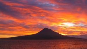 /O céu está a arder...sobre o Pico