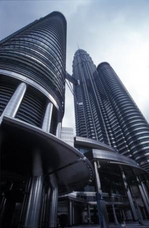 /Petronas