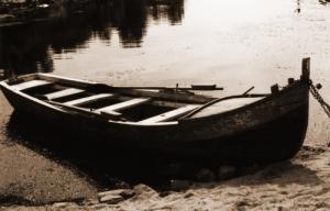 /Barco velho em descanso