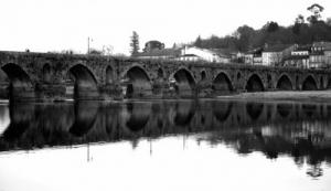 /A Ponte é uma passagem....pra outra margem.
