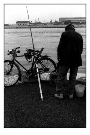 Gentes e Locais/Pescador solitário
