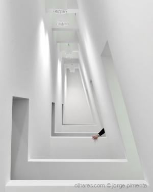 Arquitetura/Do branco e outras transcendências