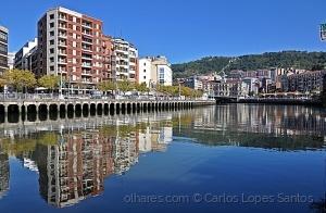 Paisagem Urbana/reflexos de Bilbao